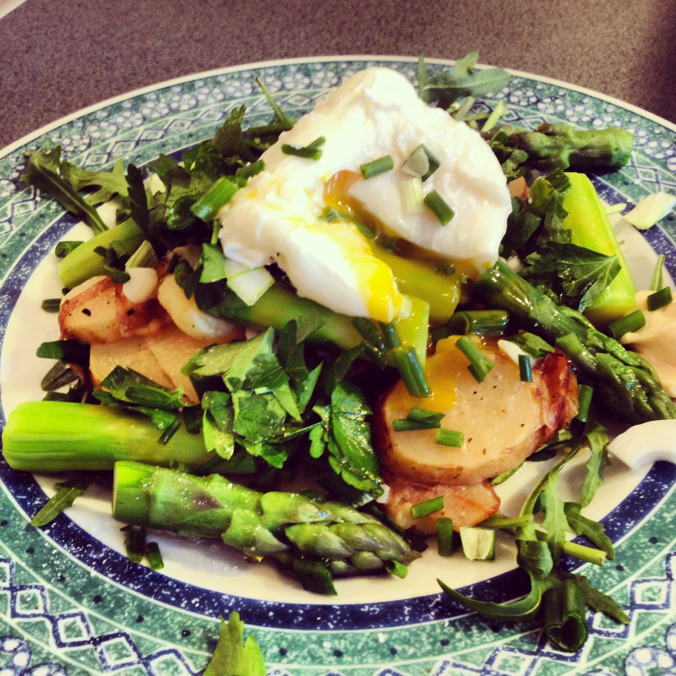 Taste of Spring: Asparagus and New Potato Salad with a Poached Egg ...